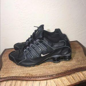 Man Nike shox